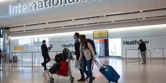 مطارات كندا